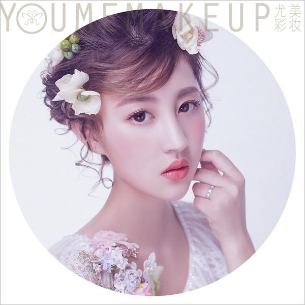 唯美清新鲜花头饰 打造甜美淡雅新娘造型(2)_妆面赏析图片