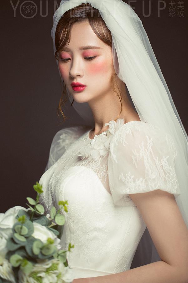 唯美浪漫的新娘头纱造型 打造迷人仙女气质图片