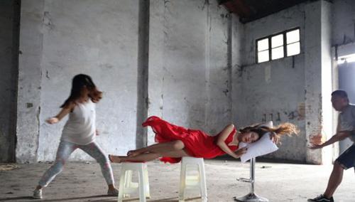 梦境重现 摄影师教你如何拍摄悬浮人像