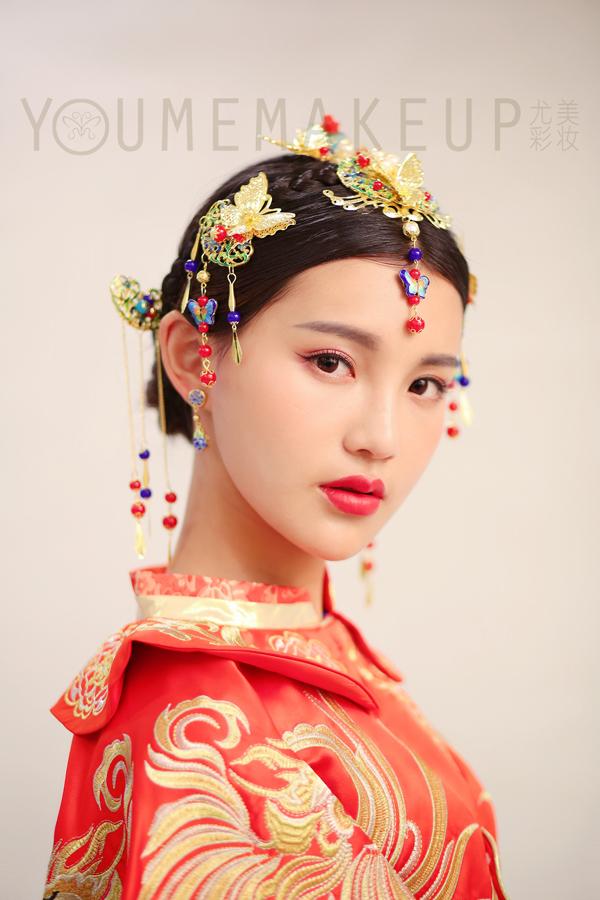 新娘头饰制作视频_玲珑别致的中式新娘头饰 复古韵味十足
