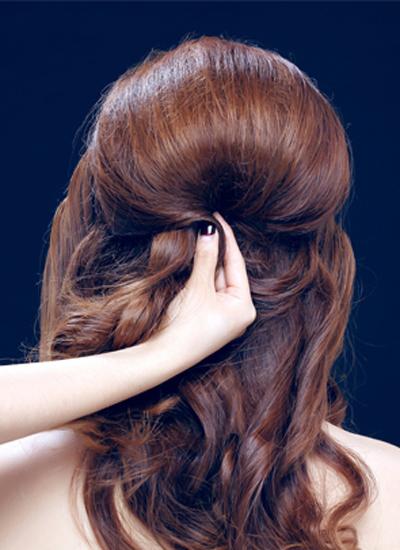 韩式新娘盘发发型图解步骤一