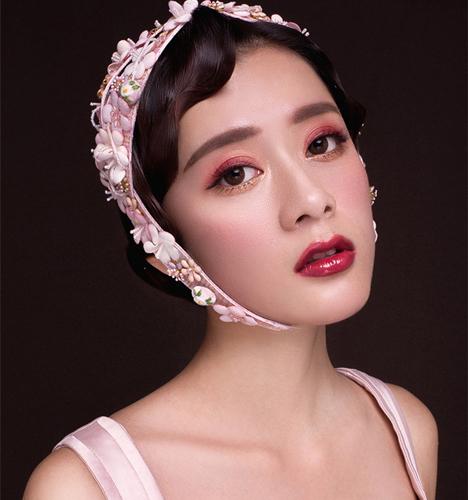粉色系唯美头饰造型 化妆造型