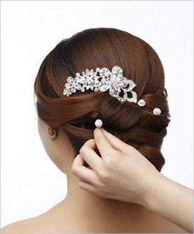 韩式新娘盘发教程 简单时尚发型轻松搞定