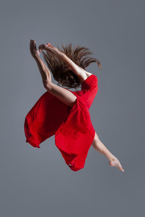 充满视觉的张力 Alexander Yakovlev舞者的瞬间