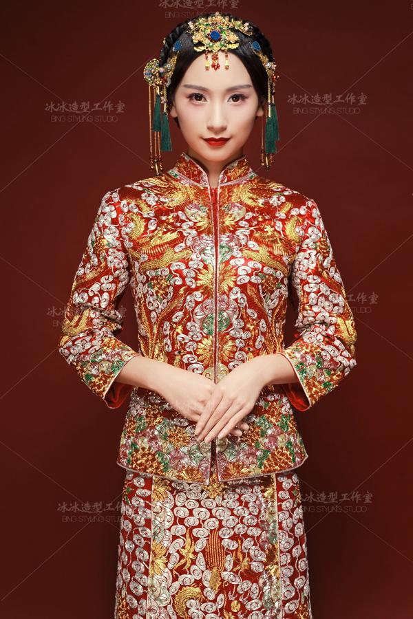 复古中式新娘造型 倾心演绎冬日浪漫图片