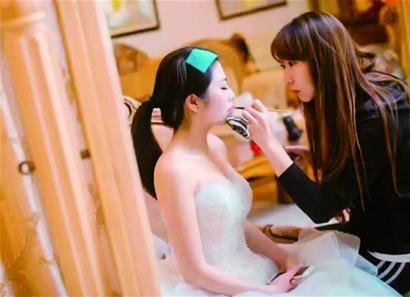 辞职做婚礼跟妆师 她创业从一个小目标开始