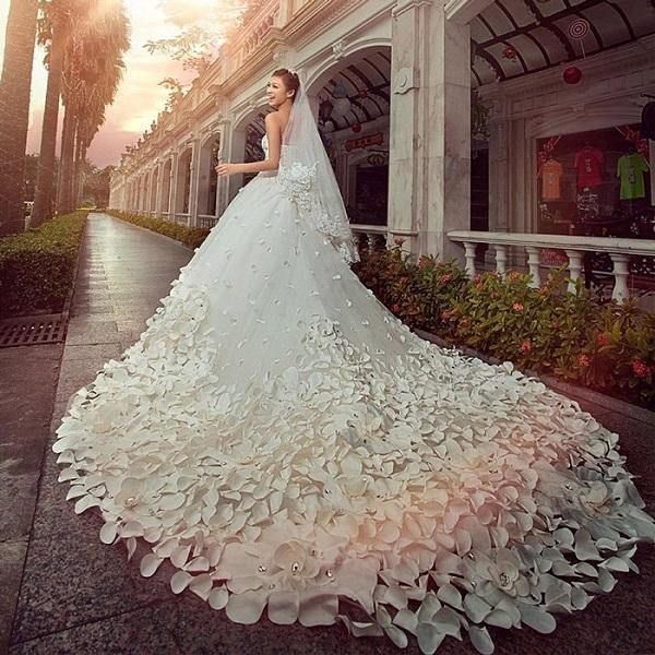 苏州抽检线上销售的婚纱礼服 合格率为5.8%