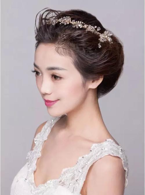 时尚简约新娘造型步骤图解教程 打造唯美女神范