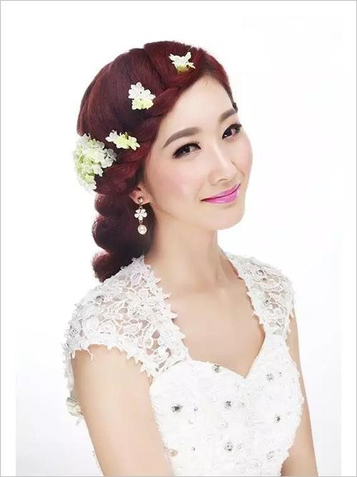 2款超级唯美的韩式新娘发型教程