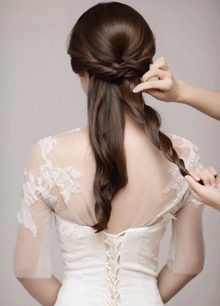 2款新娘盘头发的方法教程 彰显新娘的大方气质