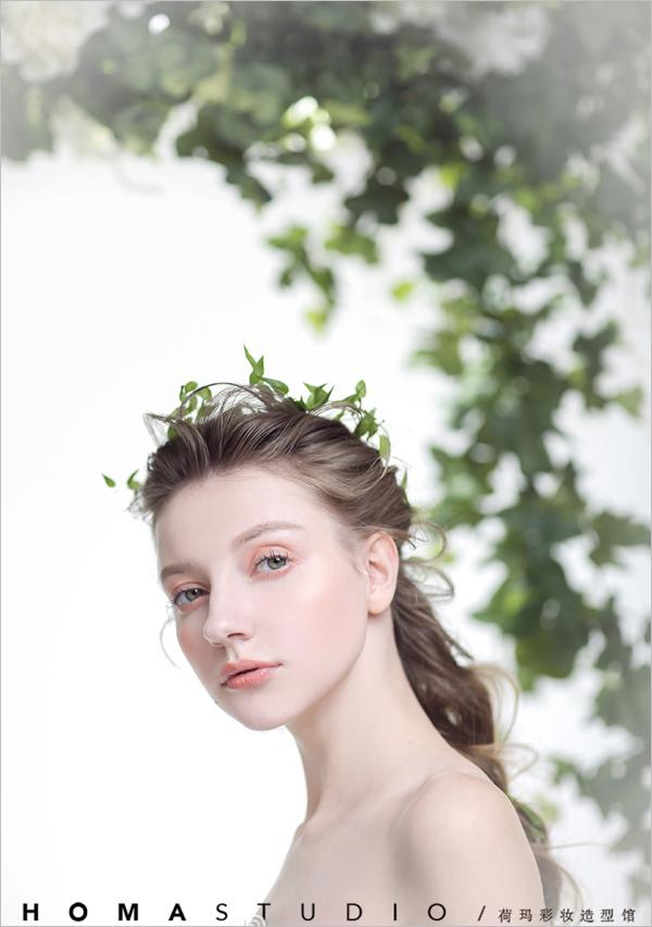 清新森系的新娘造型 散发出文艺优雅的气息