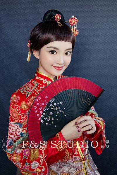 日系元素中式新娘 可爱造型别具风格_妆面赏析_影楼