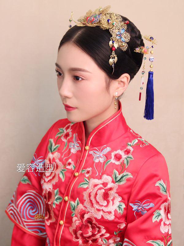 中式新娘演绎不同发型 从此恋上中国风