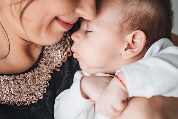 宝宝生气图片可爱
