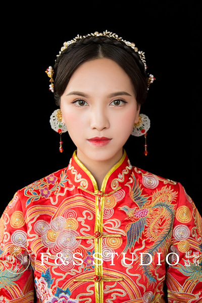 中式新娘头饰造型 独具传统韵味