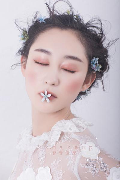 2017最新简约造型 打造春日完美新娘