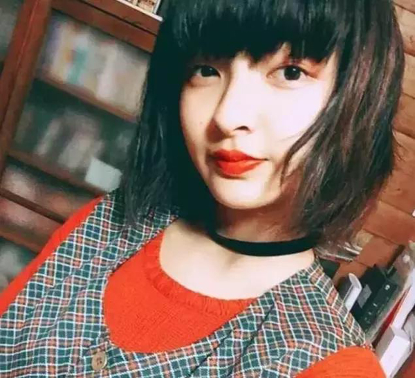 这个日本小姑娘不简单 12岁被星探挖掘14岁就坐dior头