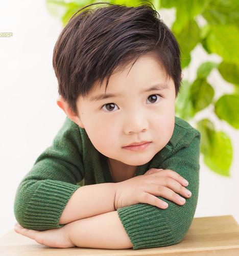 绿叶飞舞 儿童摄影