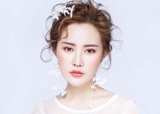 纯手工制作的唯美头饰 衬托出完美气质新娘