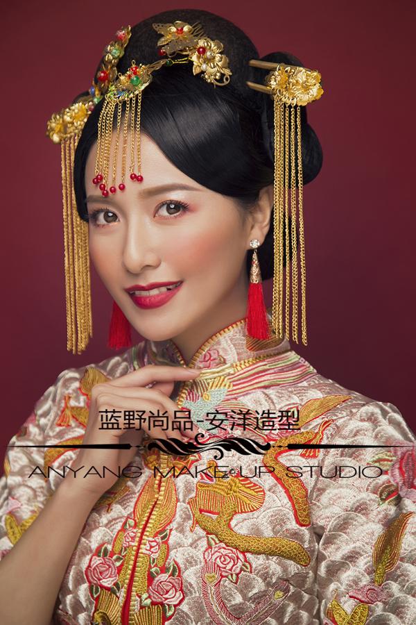 中式秀禾妆面造型 打造古典俏皮美娇娘