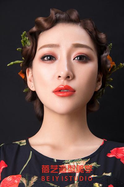 美人如花 鲜花新娘造型欣赏(2)_妆面赏析_影楼化妆_网图片