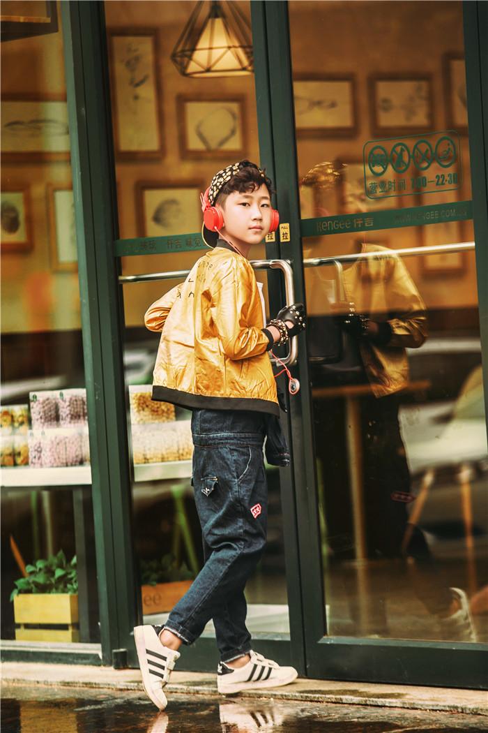 时尚街拍(全)_儿童摄影_黑光图库_黑光网