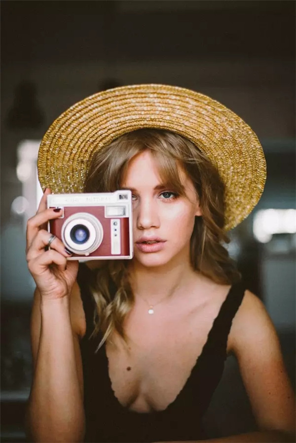 少女写真:平静、从容,花一般轻柔绽放