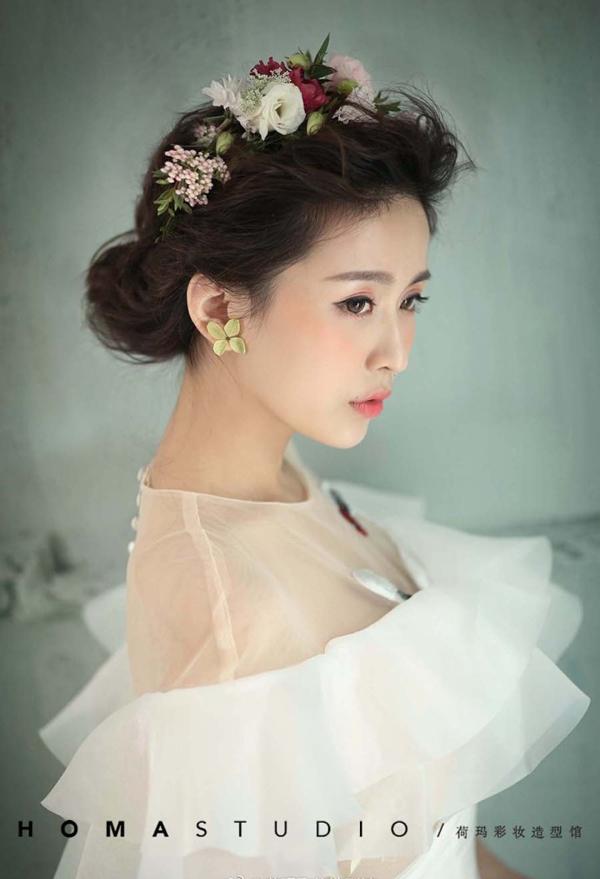 鲜花新娘造型 甜美优雅气质十足_妆面赏析_影楼化妆图片