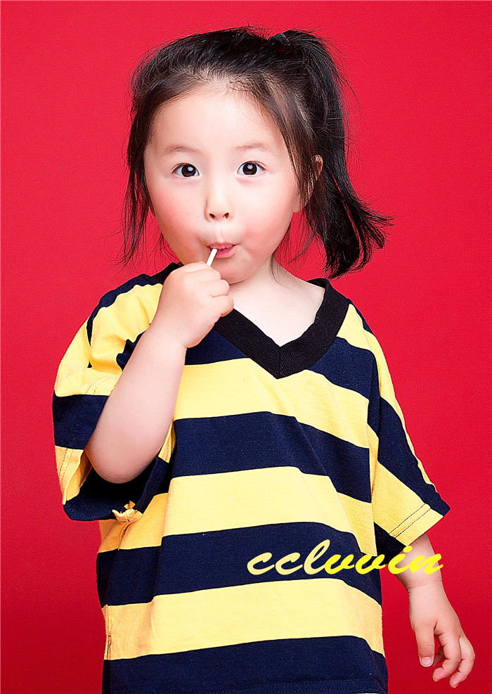 爱吃糖的小女孩