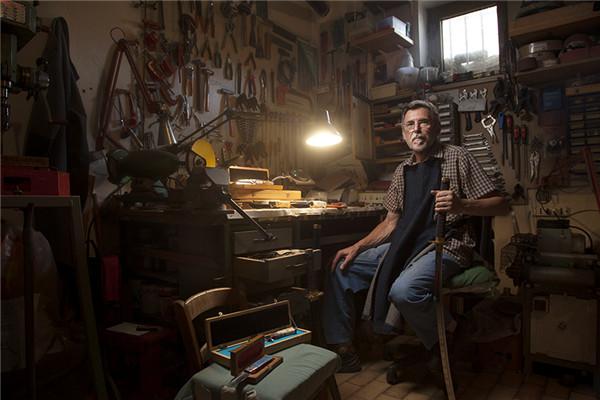 逐渐消失的艺术 传统手工匠人的现代肖像摄影