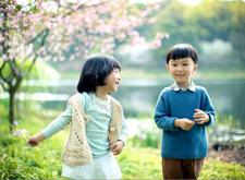 """六一""""临近儿童摄影店生意火爆 商家应加强监管"""