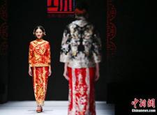 潮州婚纱礼服受青睐 出口额近3亿美元