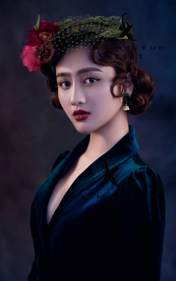 欧式时尚轻复古新娘造型(2)_妆面赏析_影楼化妆_黑光