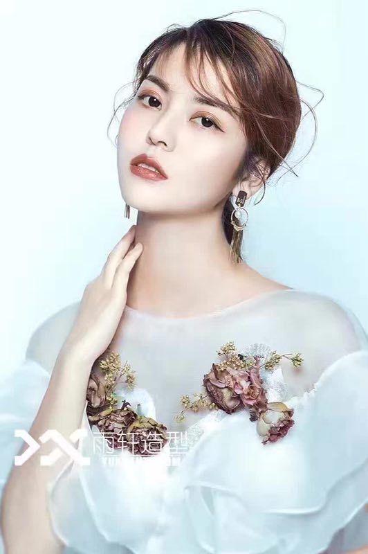 时尚简约新娘2 化妆造型