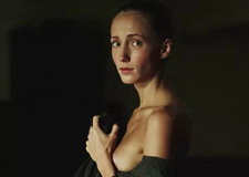 阴柔之美 俄罗斯摄影师镜头下的性感肖像