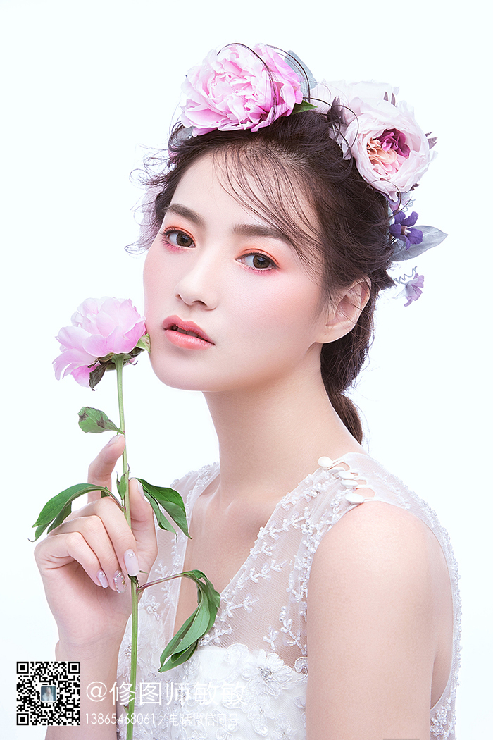鲜花头饰新娘妆面造型