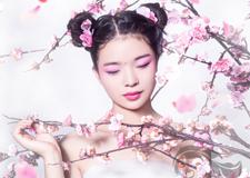 最新影樓資訊新聞-夏季清新新娘桃花妝 粉色嫩唇招人愛