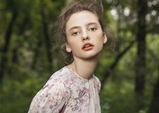最新影樓資訊新聞-夏季森系新娘造型欣賞