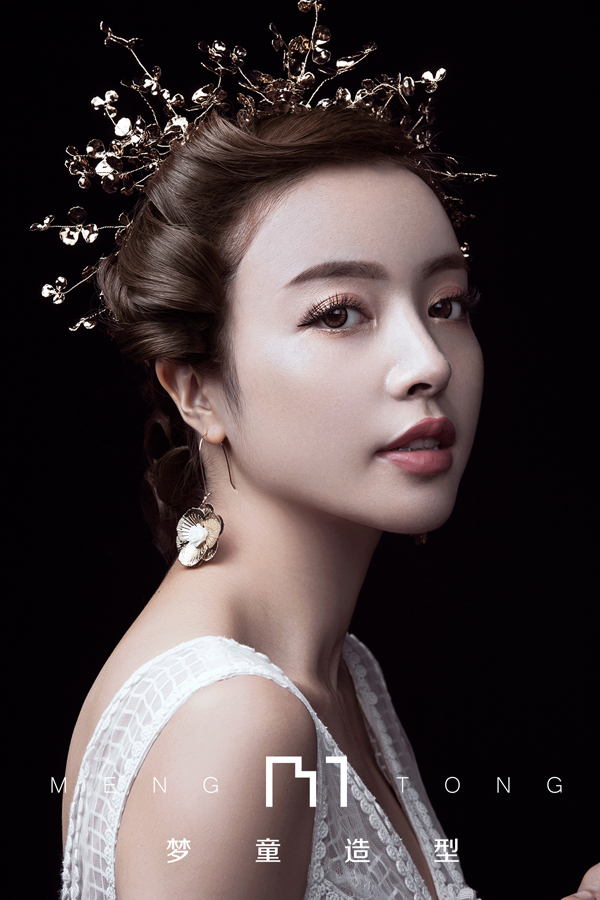 时尚复古造型 彰显新娘高贵优雅的气质_妆面赏析_影楼