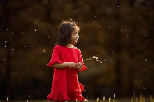 自然光外景儿童摄影 ——顺光与逆光营造的不同氛围