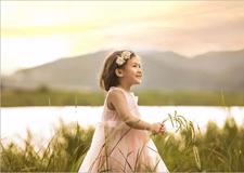 自然光外景儿童摄影教程 顺光与逆光营造的不同氛围
