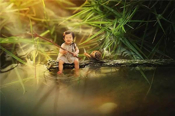 微观世界的创意儿童照是怎么拍的?