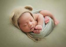摄影实战技巧 新生儿摄影的造型设计与搭配技巧