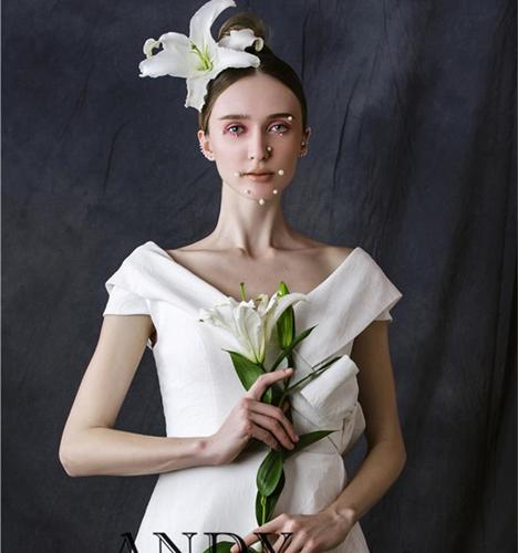 鲜花头饰唯美新娘造型图片