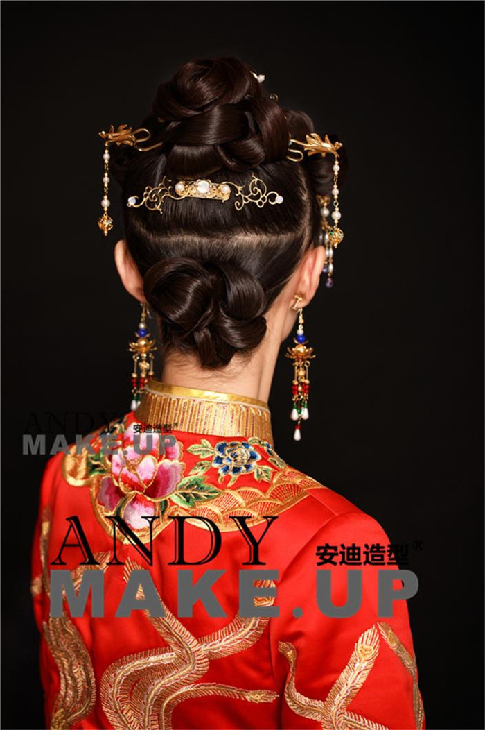中式新娘盘发造型