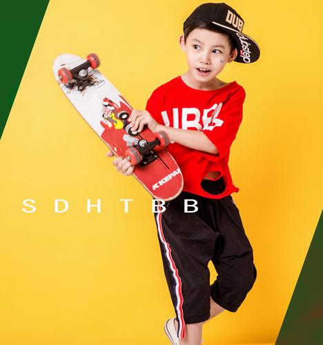 滑板小男孩 儿童摄影