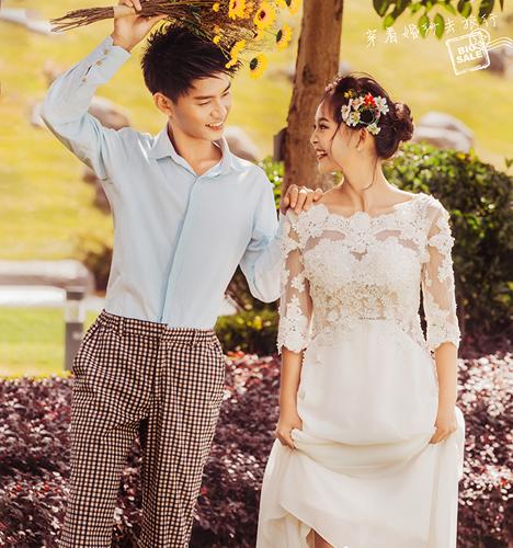 穿着婚纱去旅行 婚纱照