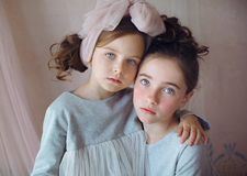 天使般美丽的儿童肖像 展现出天真可爱的一面