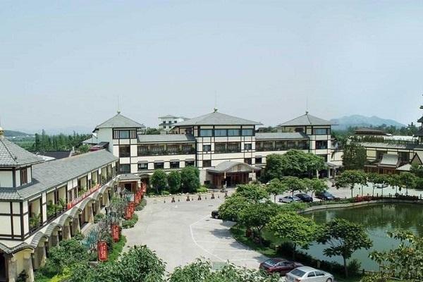 婚纱影楼开在度假村酒店里,服务升级彰显个性