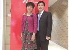 """南京50对老夫妻拍婚纱照 """"锁定""""恩爱表情"""